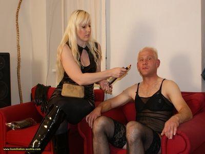 Sklave wird zur Sissy gemacht
