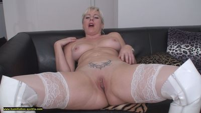Lady Jessica Spreading and Farting