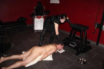 Goddess Gloria's Hot Humiliation Show
