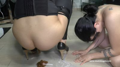 MISTRESS GAIA - FLAVORED LOLLIPOP FOR THE BITCH