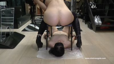 MISTRESS GAIA - WHOLE IN MOUTH!