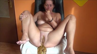 piss, shit and masturbation with dildo