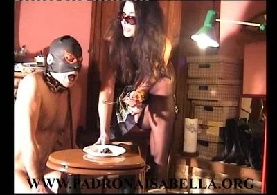 Isabella teaches slave never to disappoint her